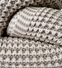 Pluchi The Mesh Knitted Single-Size Throw Blanket