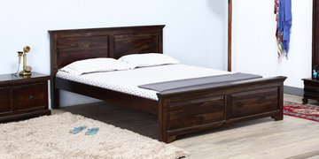 Queensberry Queen Size Bed In Warm Chestnut Finish By Amberville